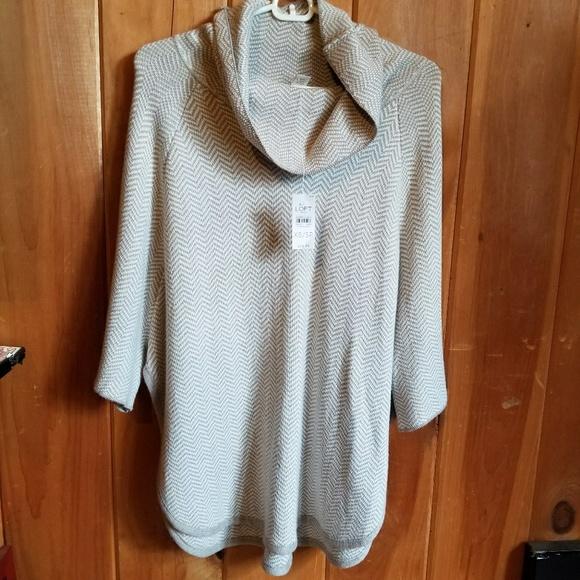 b611c42d6382 LOFT Sweaters